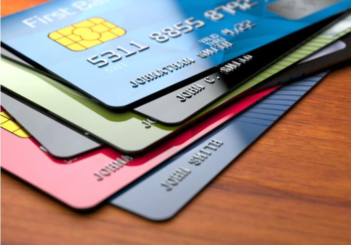 Vários cartões de crédito tem aprovação rápida online, imediata, e você só precisa fazer a solicitação pelo site ou app.